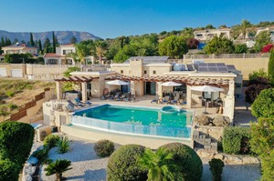 Villa Margarita — Luxury villa for rent in Paphos