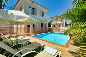 Villa Maria — Luxury villa for rent in Paralimni