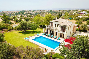 Villa Galinios — Luxury villa for rent in Aphrodite Hills