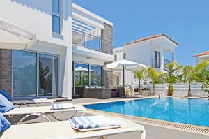Villa Paradiso — Luxury villa for rent in Protaras
