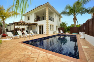 Pearl Villa — Villa for rent in Ayia Napa