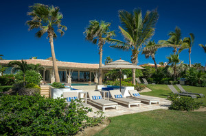 Leon Villa — Luxury villa for rent in Coral Bay