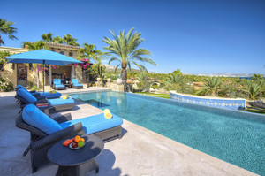 Villa Esperanza — Luxury villa for rent in Peyia